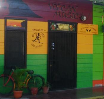 Volcan Music, guitars and ukuleles San Juan del Sur